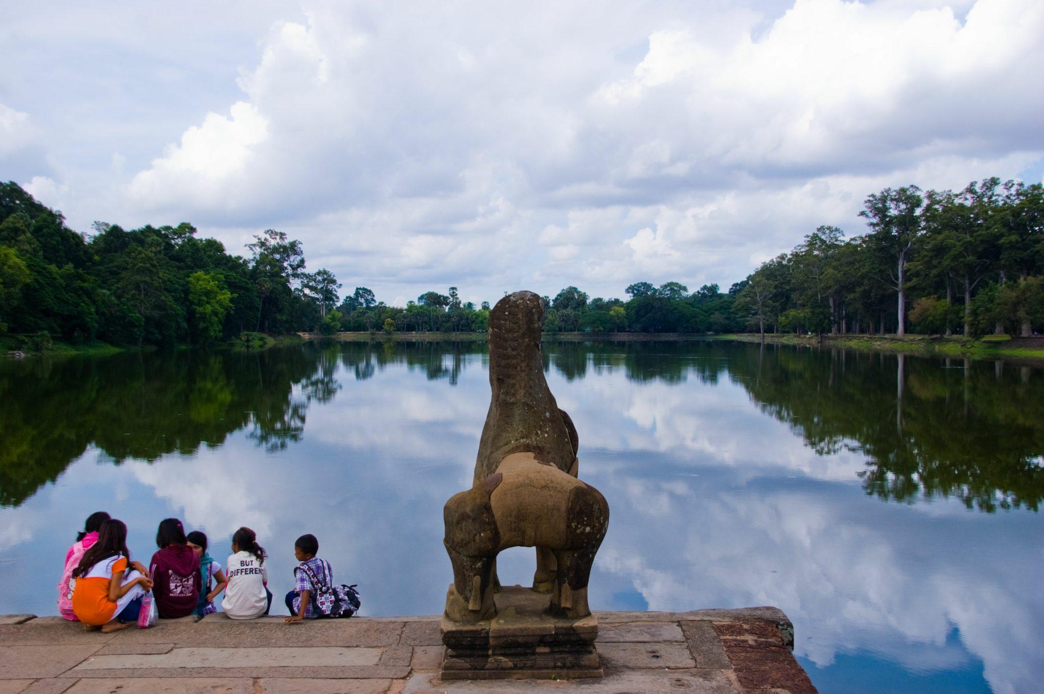 Angkor Wat: eeuwenoude leeuwen houden de wacht