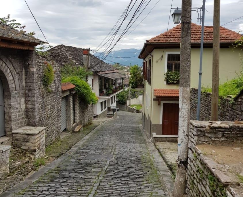 Oude straatjes in Gjirokastër