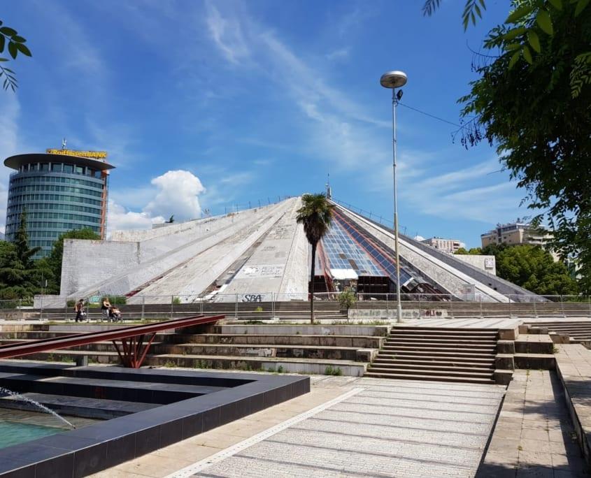 Pyramiden van Tirana