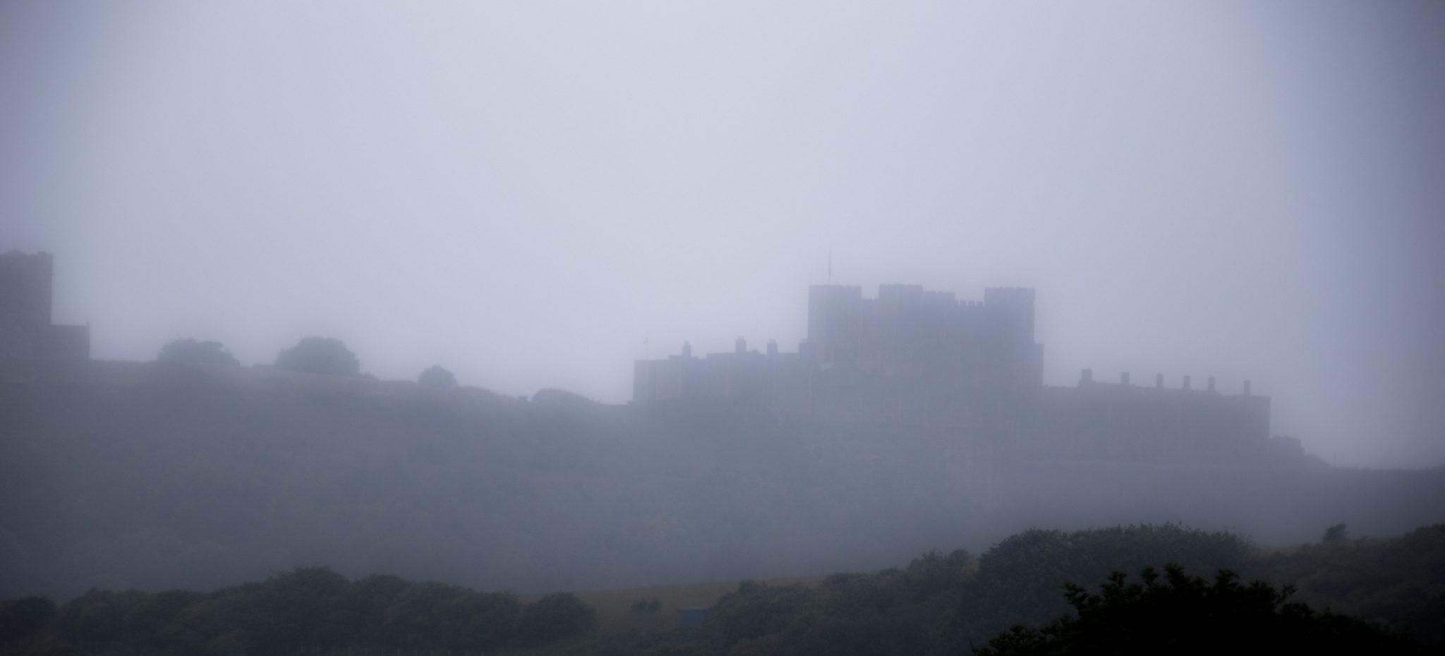 Het blijft wel Zuid-Engeland qua weer: Dover Castle in de mist