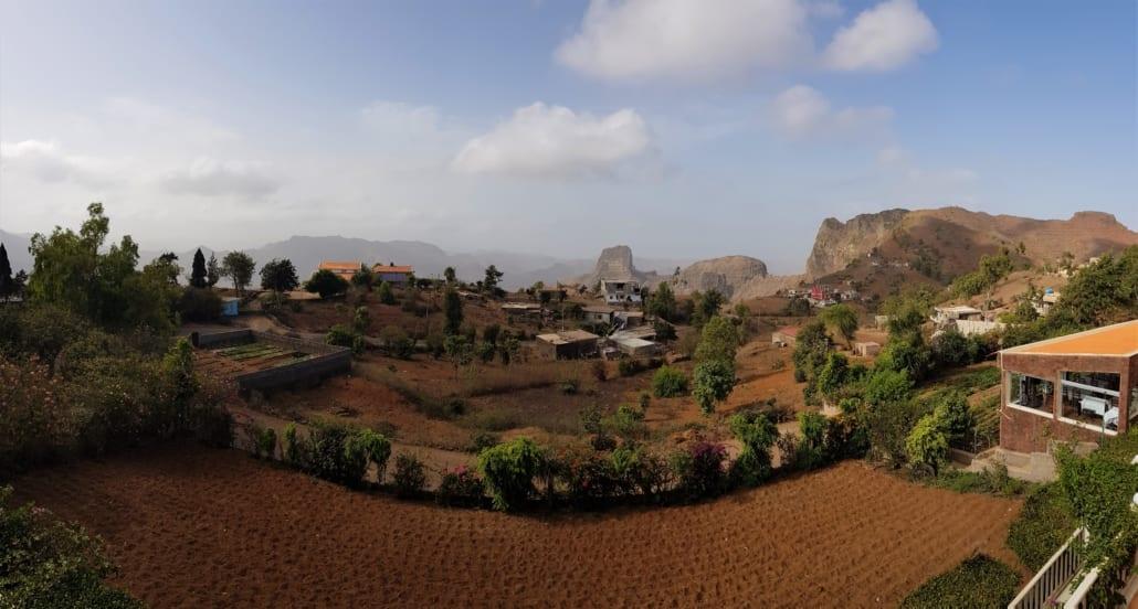 Uitzicht vanaf Quinta da Montanha op Santiago