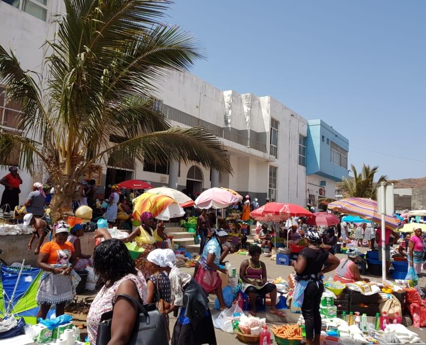 Kleurrijke markt van Assomada