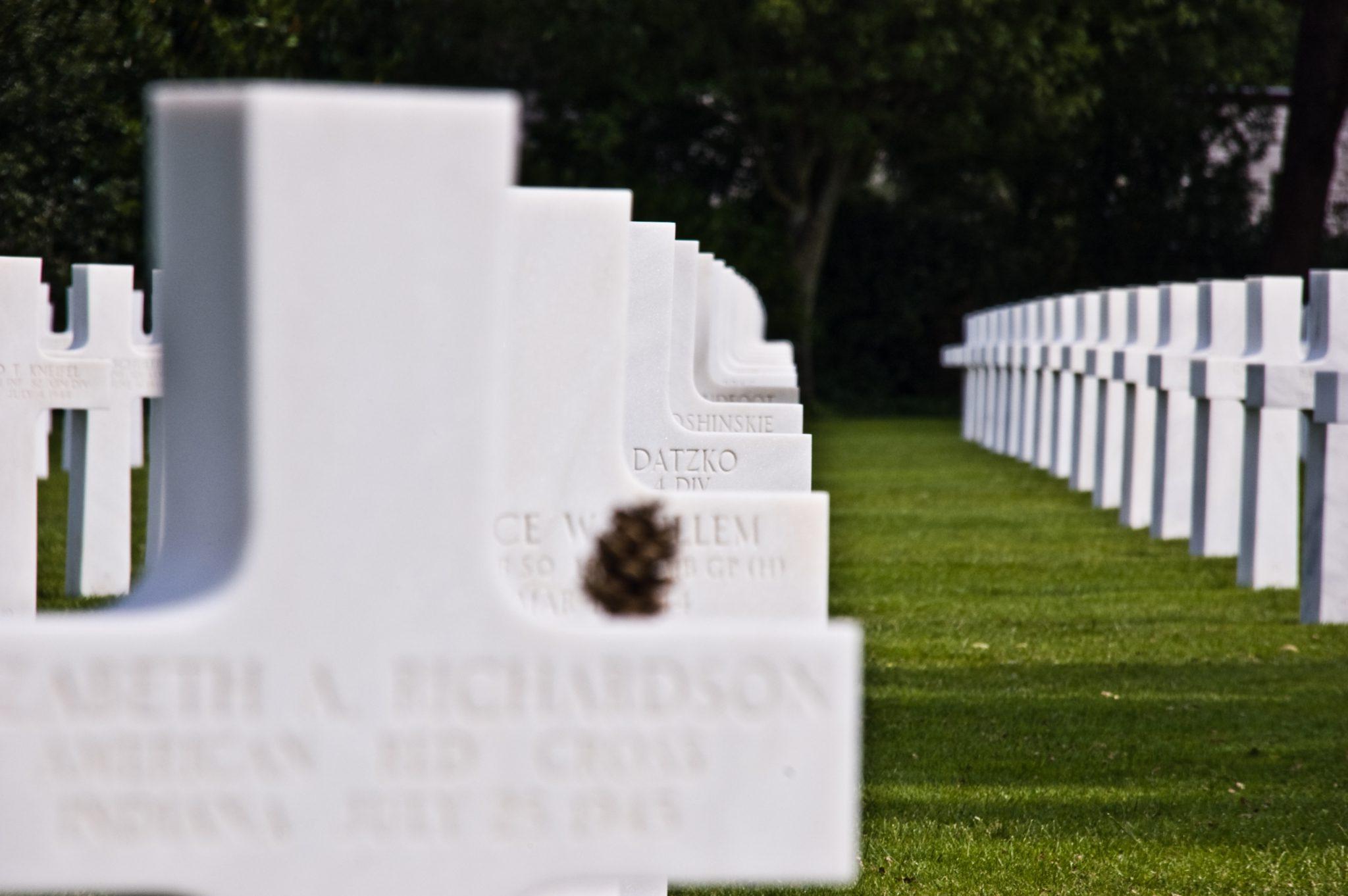 De doden van D-day; de Amerikaanse begraafplaats van Colleville-sur-Mer