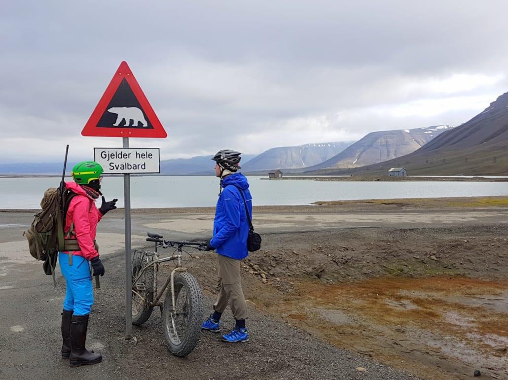 Fatbike tocht met geweer op Spitsbergen