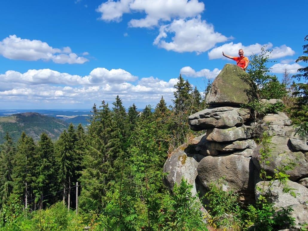 Reisman op de Kästeklippe in de Harz