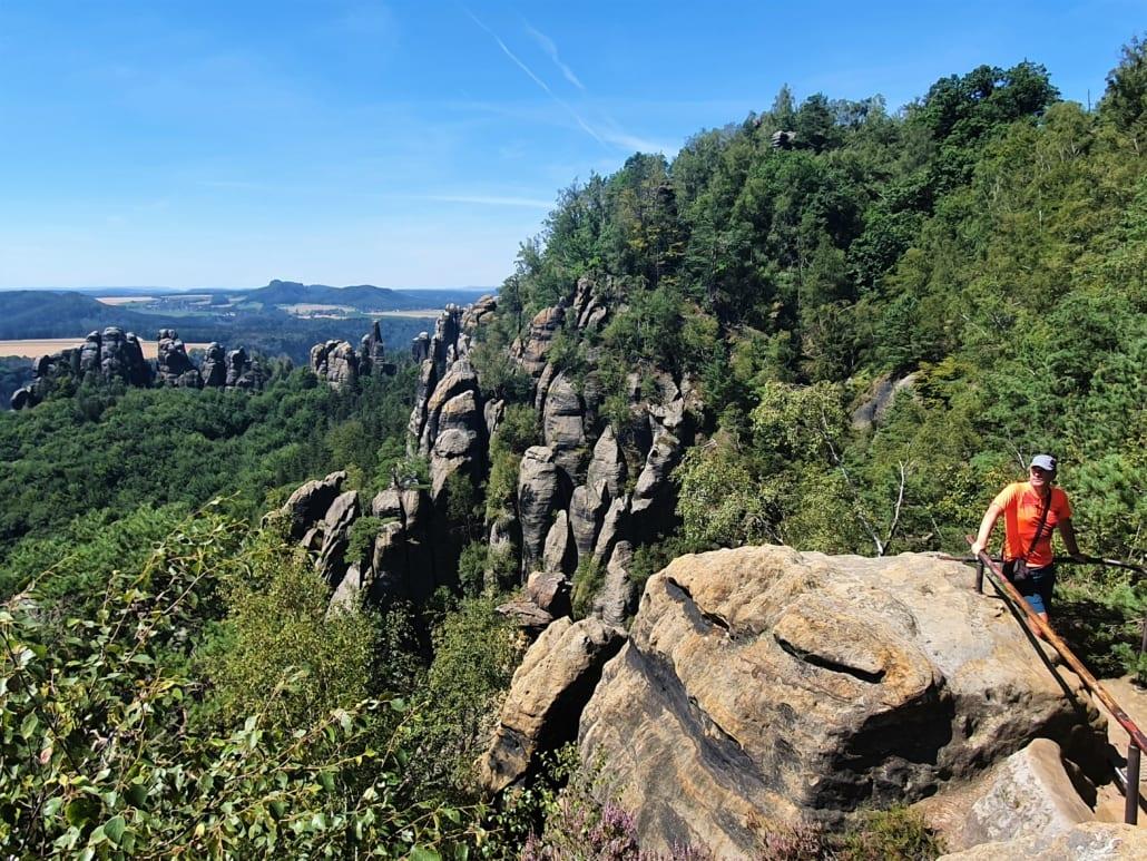 Over de kam van de Schrammsteine in de Sächsische Schweiz