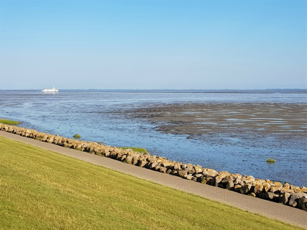 Veerboot naar Schiermonnikoog bij eb