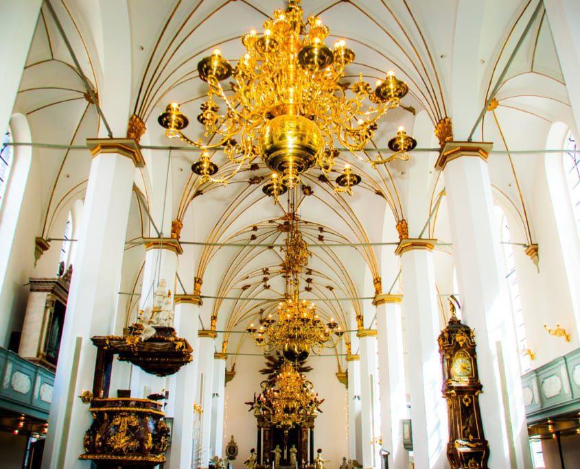 Het interieur van de Trinitatiskirke