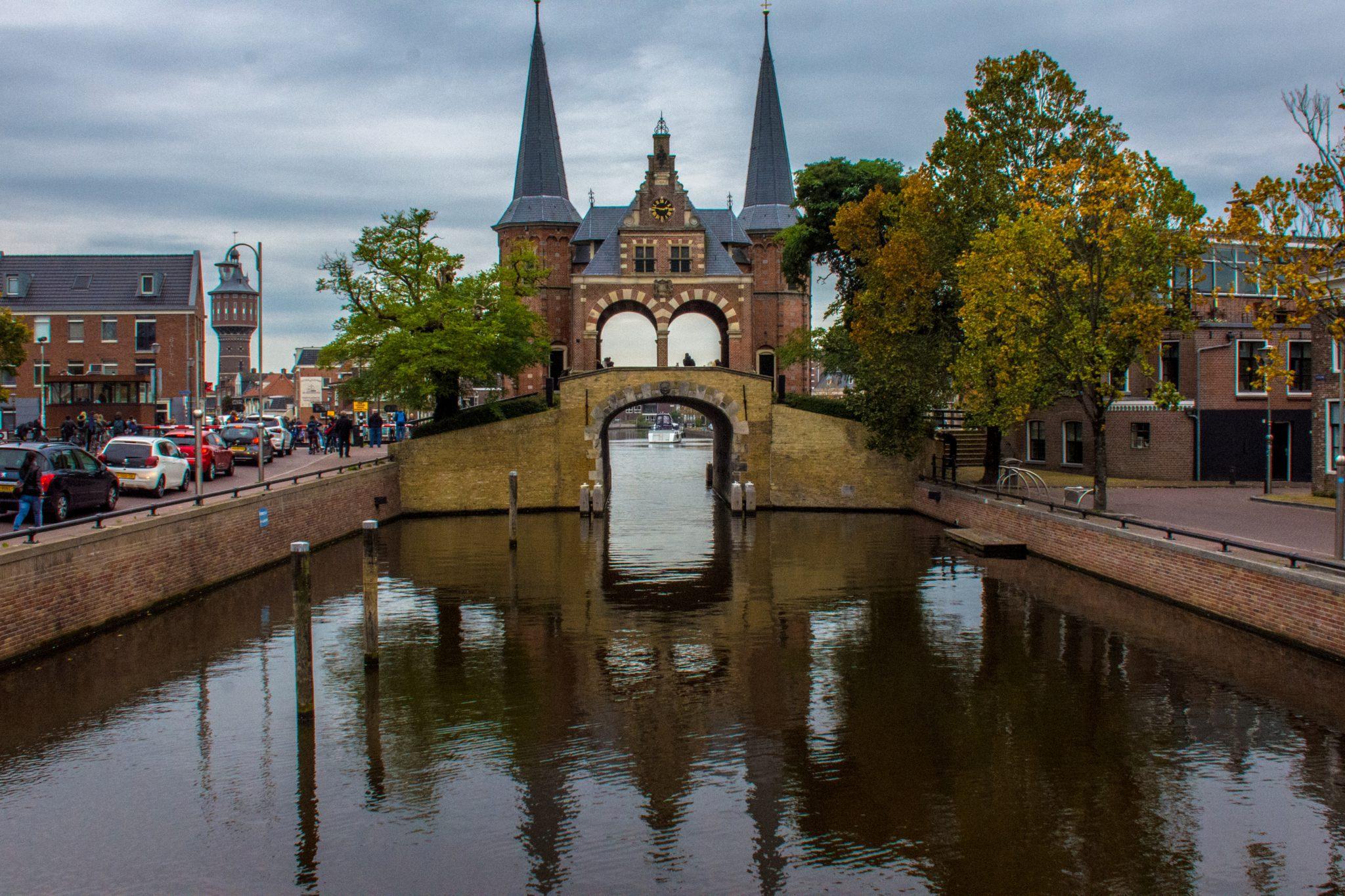 De Waterpoort van Sneek: misschien wel het bekendste gebouw van Friesland.