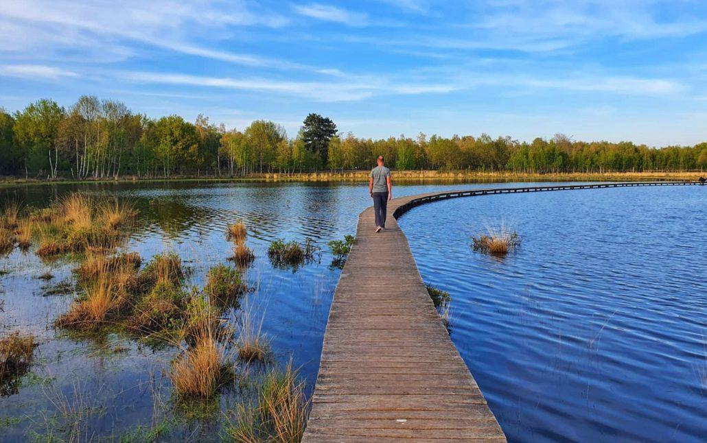 Wandelen rondom Tilburg: vlonderpad over het Leikven