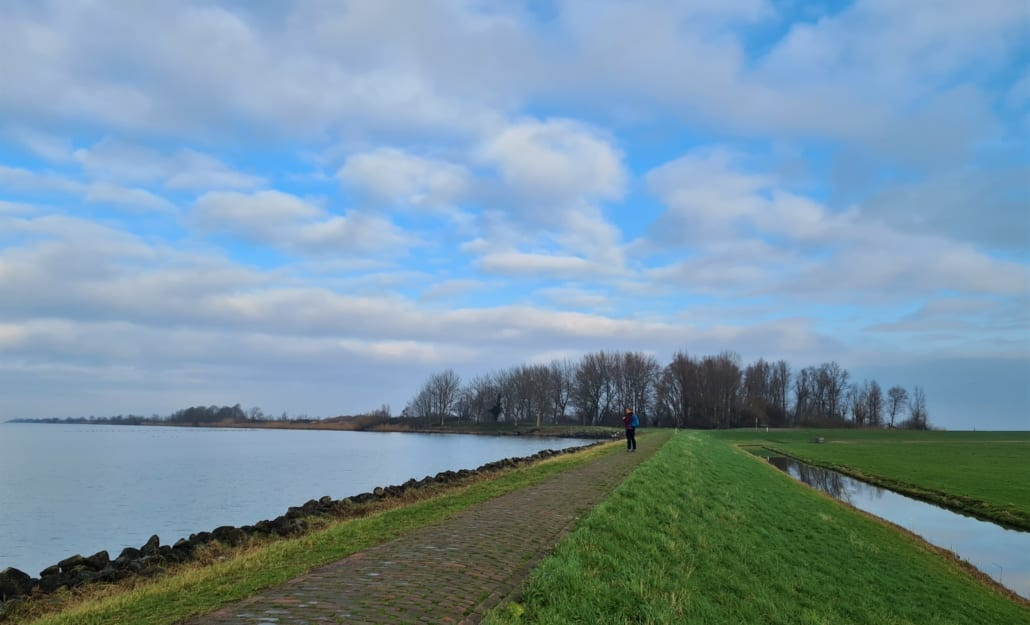 Bukdijk op Marken (links)
