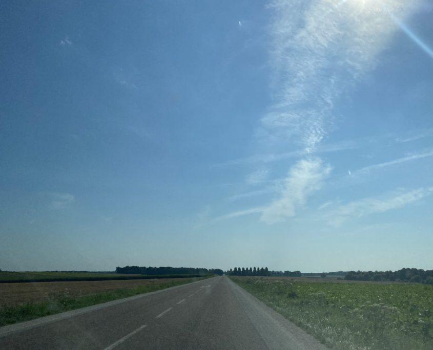 Ook op de Route Nationale rijdt 't prima door, zolang 't maar geen Zwarte Zaterdag is.