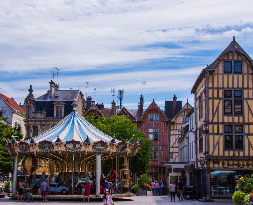 De draaimolen: centraal onderdeel van ieder Frans stadscentrum.